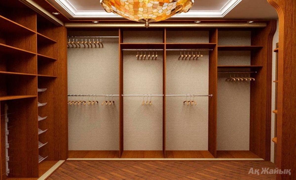 Шкаф-гардероб.