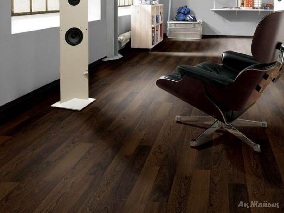 Ламинат dolce flooring 8мм дуб бурбон темный 2713 / undhaus.