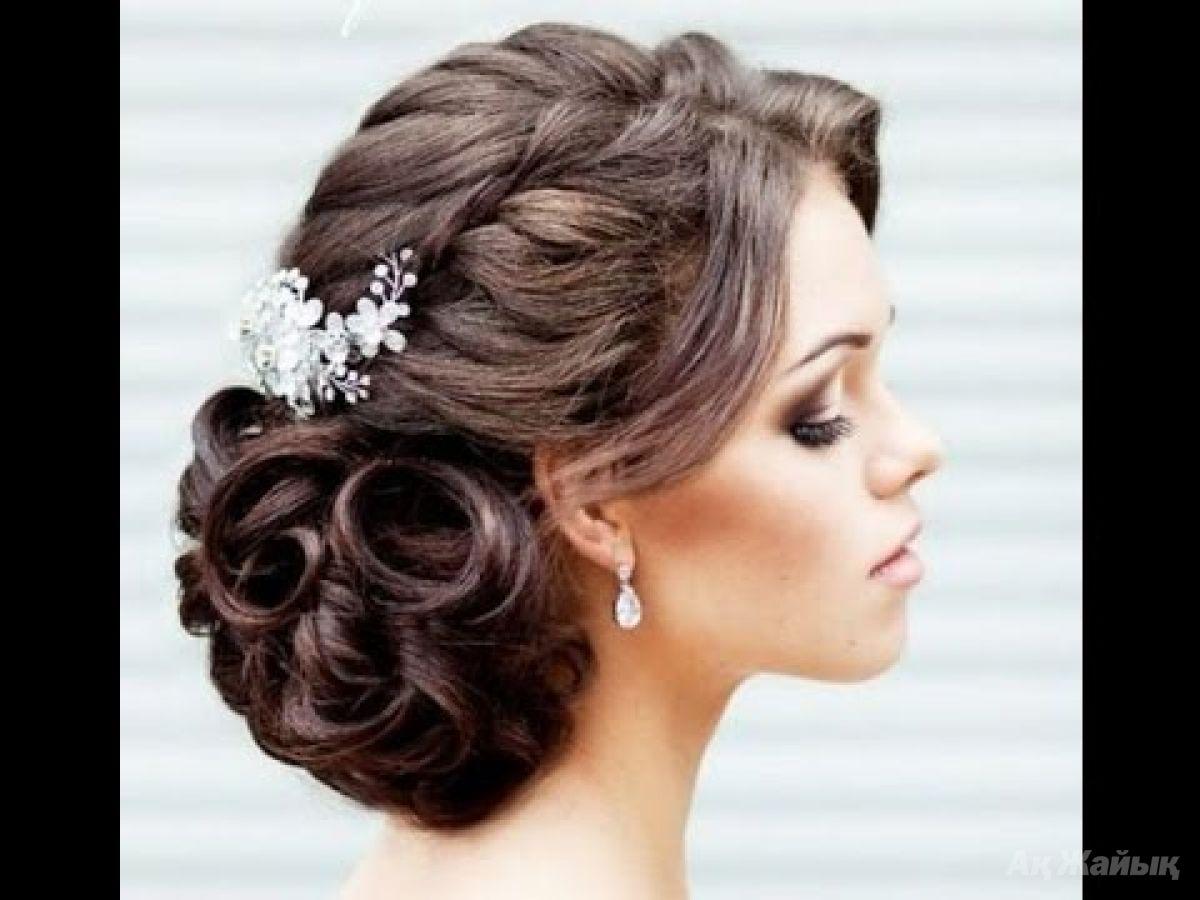 Прически на средние волосы на свадьбу к подруге своими руками фото