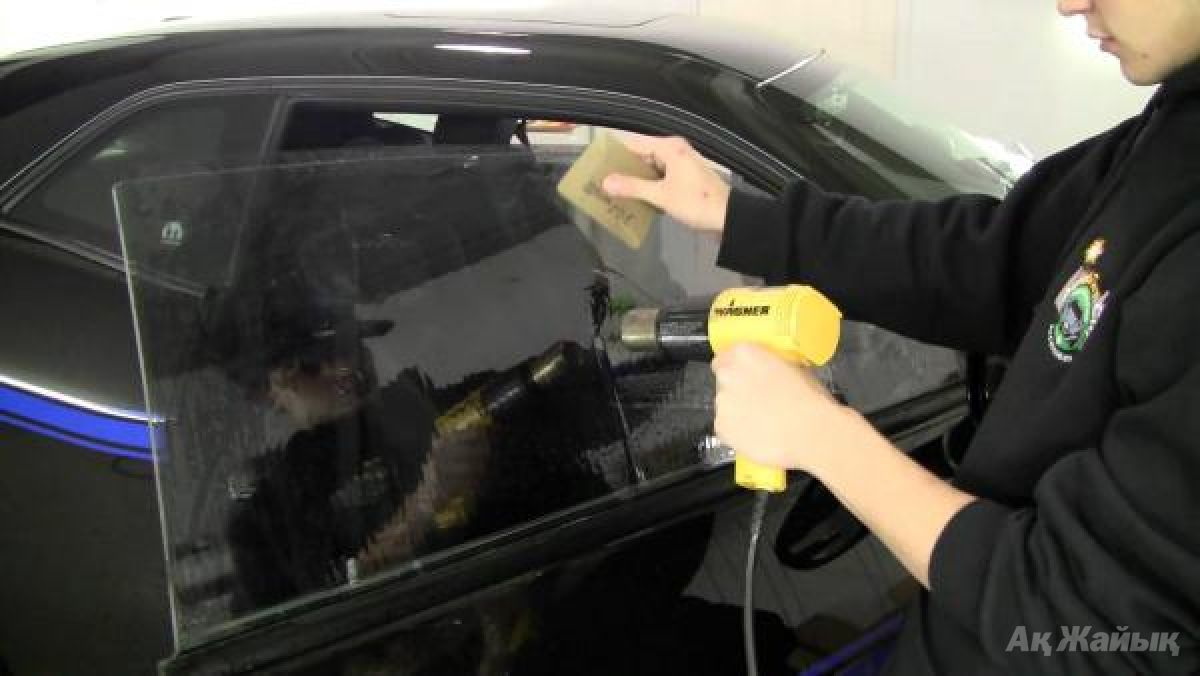 Тонировка стёкол автомобиля своими руками в домашних условиях