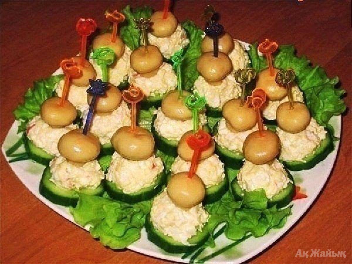 Канапе с шампиньонами на праздничный стол рецепты